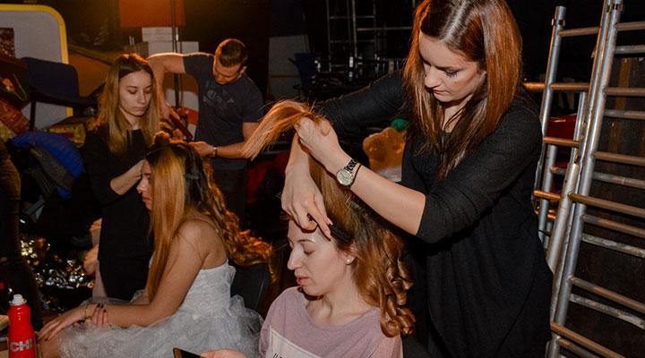 te-pui-cu-blondele-coafor-stilist-make-up-atelierele-ilbah-coperta-2