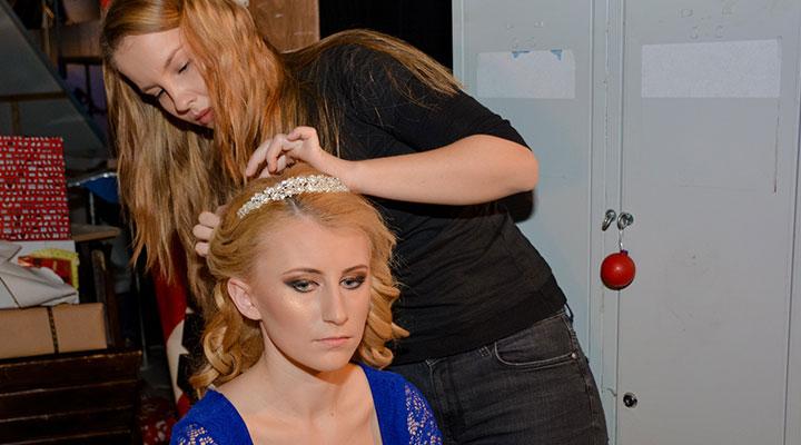 te-pui-cu-blondele-coafor-stilist-make-up-atelierele-ilbah-coperta-3