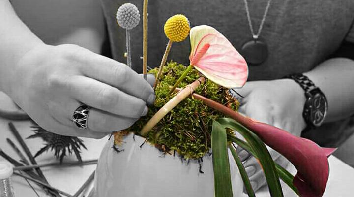 Floraria-Dar'tina-o-feerie-de-culori-si-miresme-aranjate-cu-grija-in-vase-inedite-1