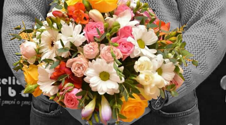 Floraria-Dar'tina-o-feerie-de-culori-si-miresme-aranjate-cu-grija-in-vase-inedite-2
