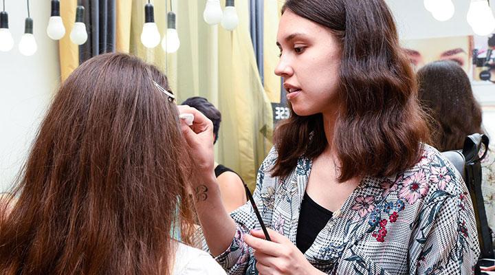 curs-machiaj-profesional-cursuri-makeup-bucuresti-cluj-ploiesti-atelierele-ilbah-3