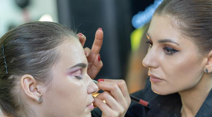 arta-machiajului-la-makeup-forum-2019-12